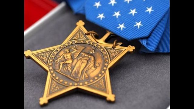 Navy Seal to receive Medal of Honor