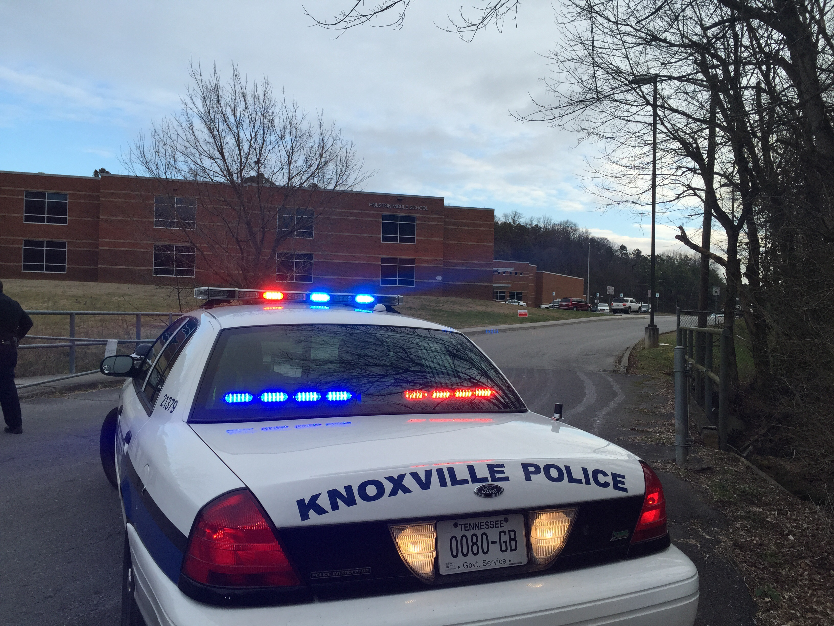 Holston Middle School lockdown lifted