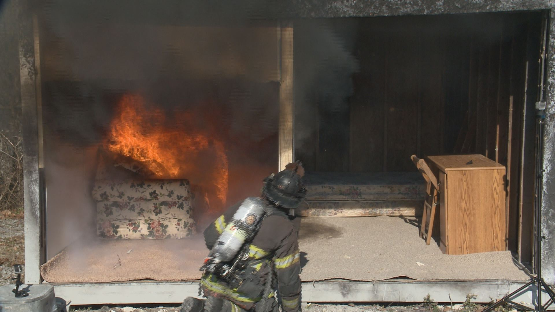 Close Door On Fire : Wbir close the door why it could save your life in