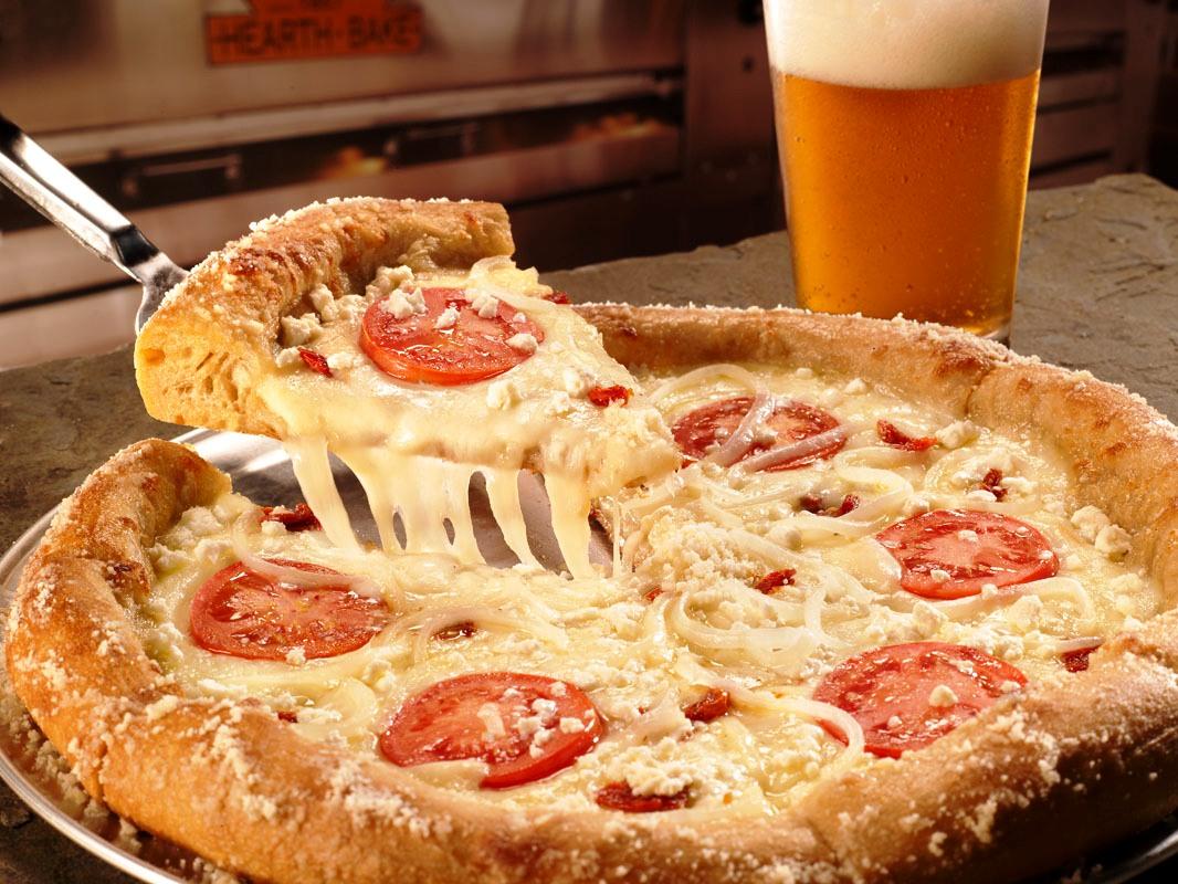 Mellow Mushroom's Gourmet White Pizza | wbir.com